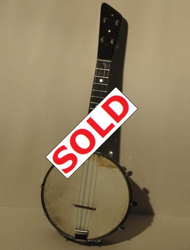 Cheap and cheerful banjolele with really good sound.  Picture 2